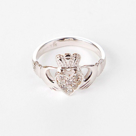 White-Claddagh-Ring2