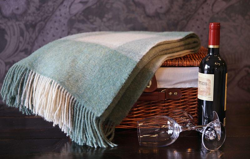 Wool knee blankets
