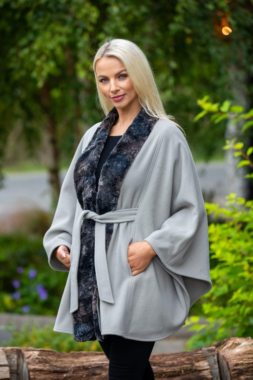 cape with belt and fur trim